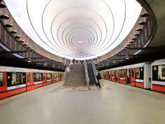 Warsaw's second metro line opens