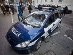 'Anarchists' arrested after trying to blow up police cars