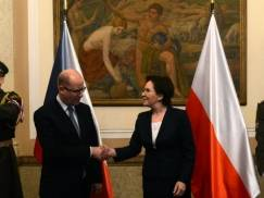PM Kopacz in Prague: no change on Russian sanctions