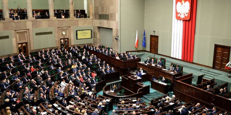 Poles increasingly frustrated with parliament