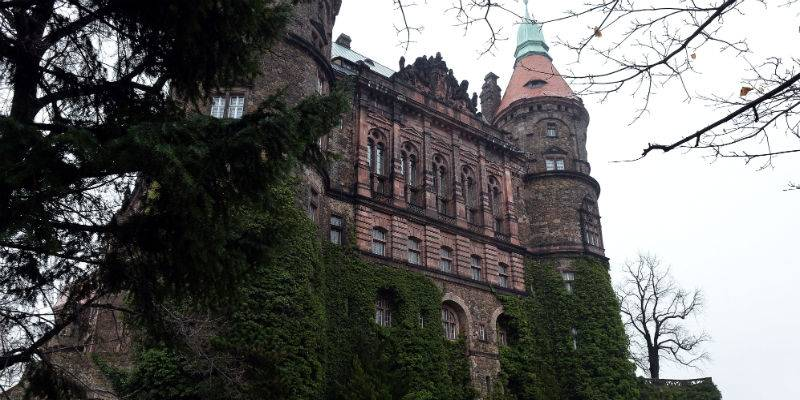 Fire ravages Poland's Ksiaz Castle