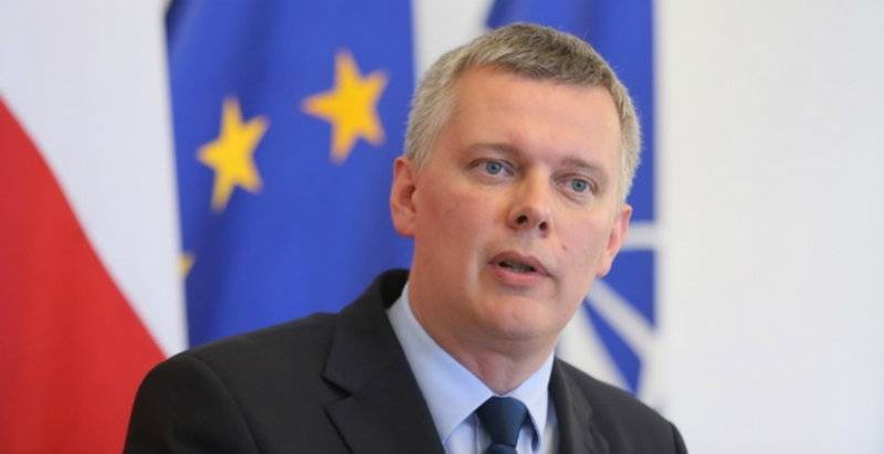 Siemoniak refutes corruption slur in latest tape affair episode